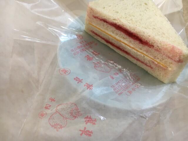 いちごサンドイッチ